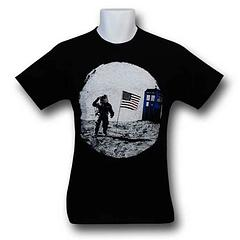 Dr. Who T-Shirt: Moon Landing - No wonder the Sea of Tranquility is on the moon, it's where The Doctor put an end to the Silence. Or maybe he just popped by for a holiday. Either way this 100% cotton Dr Who Moon Landing T-Shirt is a fun way to get the good Doctor's attention. Who knows, you could be his next traveling companion? If that happens please tell him to visit Herotropolis though, okay? Because we love him too.Colour: Black
